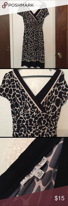 Cream and black Giraffe print Dress Sandra Darren from Nordstrom Rack. Ruched empire waistband. Cream and black giraffe print. V neck back and front! Flirty skirt. Sandra Darren Dresses