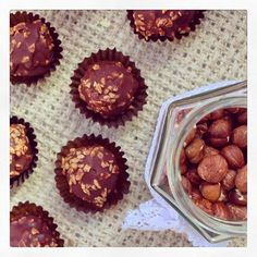 Making some raw Ferrero Rocher balls today - they're so delicious and only six ingredients would you believe it! The recipe for these is an old fave on my blog, it's so easy and they look pretty fancy too I think! Seriously cannot get enough of these...excuse me while I polish off another! Love, Mrs H xx  #hbloggers #health #fitness #wellbeing #raw #vegan #vegansofig #whatveganseat #yoga #sugarfree #dairyfree #glutenfree #alkaline #healthy #food #diet #love #801010 #happy #inspo…