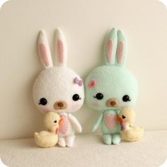 Easter Bunny and Chick pdf Pattern by Gingermelon on Etsy Sewing Toys, Sewing Crafts, Sewing Projects, Felt Crafts, Easter Crafts, Diy Crafts, Easter Gift, Happy Easter, Felt Dolls