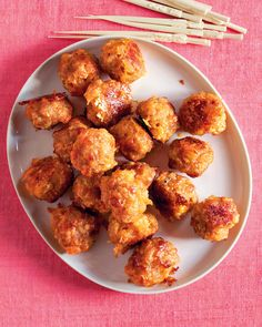 Sausage-Cheddar Balls - Martha Stewart Recipes - This reinterpretation of meatballs combines purchased breakfast sausage, cheddar cheese, and onion for a very flavorful holiday appetizer, enough for a crowd of hungry folks. Holiday Appetizers, Appetizers For Party, Appetizer Recipes, Meatball Appetizers, Dinner Recipes, Holiday Treats, Holiday Parties, Martha Stewart Recipes, Sausage Breakfast