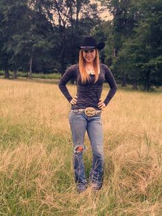 Real Country Girls, Country Girls Outfits, Country Girl Style, Country Women, Country Fashion, Cowgirl Outfits, American Country, Cow Girl, Sexy Cowgirl