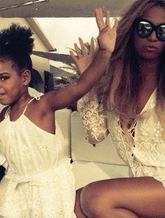 Pinterest: @ndeyepins | Vacances de Beyoncé en Italie sept. 2015