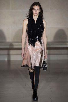 Louis Vuitton ready-to-wear autumn/winter '17/'18 - Vogue Australia