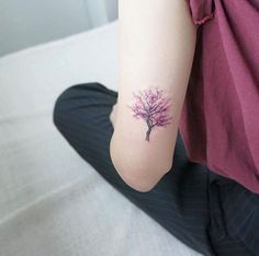I didn't want any tattoos with color but this one is a completely different story. Absolutely gorgeous