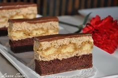 Coffee, walnut and ladyfingers cake - Laura Sava Romanian Desserts, Romanian Food, Sweets Recipes, Cake Recipes, Cooking Recipes, Food Cakes, Cupcake Cakes, Desserts With Biscuits, Dessert Bread