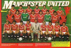 Man Utd team group in Manchester United Images, Manchester United Wallpaper, Manchester United Players, Football Design, Retro Football, Football Soccer, Man Utd Squad, Bryan Robson, Sharon Jones