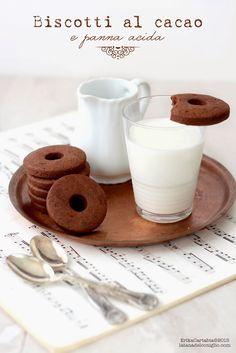 Questa settimana non riesco a pensare ad altro che ai dolci per la prima colazione . Quindi, anche oggi, vi beccate una ricetta a tema...