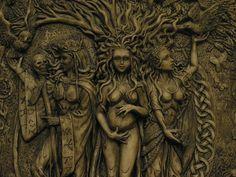 Occult & Illuminati Holiday Traditions – Alien Axioms