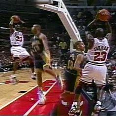Michael Jordan Gif, Michael Jordan Dunking, Mike Jordan, Kobe Bryant Michael Jordan, Michael Jordan Pictures, Michael Jordan Basketball, Mvp Basketball, Basketball Videos, Basketball Stuff