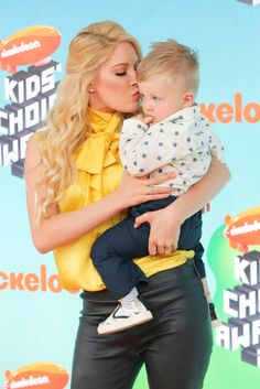 Fanclubdis Romances: Kids' Choice Awards Orange Carpet See Lana Condor, JoJo Siwa & More Stars Kids Choice Award, Choice Awards, Orange Carpet, Red Carpet, Jason Sudeikis, Doug The Pug, Aladdin Movie, Lilly Singh, Aladdin Film