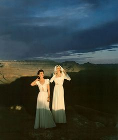 Models wearing white rayon-jersey evening dresses pose at the Grand Canyon, photo by Luis Lemus at the Grand Canyon National Park, Arizona, 1941 | par skorver1
