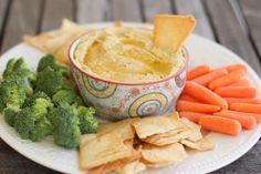 HUMUS:1l.garbanzos,1L.de alcachofas,3c aceite oliva,1 diente ajo y 2 c.jugo de limon.Mixear o procesar.Servir con tostaditas ,zanahorias ,brocoli et.