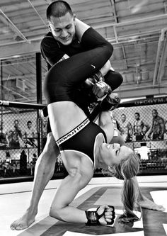 """Ronda Rousey in action UFC MMA. """"Some girls train to look good. Other girls train to kick your ass. Kickboxing, Mode Inspiration, Fitness Inspiration, Carlos Gracie, Mma Ufc, Fitness Motivation, Fitness Tips, Extreme Fitness, Rowdy Ronda"""