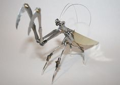 Intricate robot bug sculptures are both beautiful and terrifying | DVICE