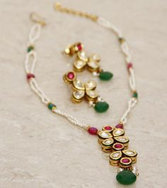 Kundan Embellished Necklace Set