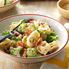 Bacon Tortellini Bake Recipe- Recipes I stirred up an easy pasta and figured if we all like it, others might, too. Broccoli and bacon add color and crunch to this creamy casserole. Tortellini Bake, Tortellini Recipes, Pasta Recipes, Dinner Recipes, Cooking Recipes, Freezable Recipes, Dinner Ideas, Bulk Cooking, Lasagna Recipes