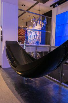 Splinter Works Vessel Bath at Ideaworks' London Experience Centre - www.ideaworks.co.uk