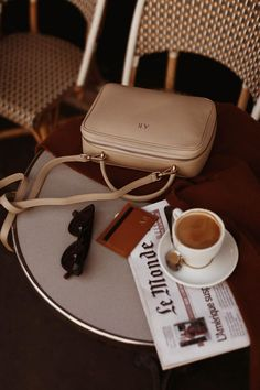 Audrey Leighton Rogers: the mon purse edit Photography Bags, Coffee Photography, Cream Aesthetic, Aesthetic Fashion, Aesthetic Style, Shopper, Aesthetic Pictures, Purses And Handbags, Business Women