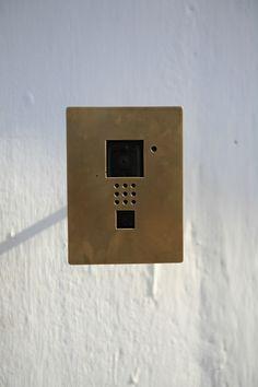 宇野友明 ポスト インターフォン Fence Lighting, Sign Design, Architecture Details, Signage, Entrance, Concrete, Objects, New Homes, Hardware