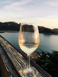 Beautiful sunsets, glasses of wine, and oysters by the Russian River.  Just a few of the many amazing experiences that await you in a visit to California wine country.  This week on foodwithaview, the first in a two-part series with everything you need to plan your next wine country adventure.