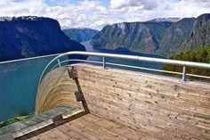 Stegastein lookout, Aurland, Norway. by Arkitekt Tommie Wilhelmsen. quite a dramatic end to a high mountain lookout