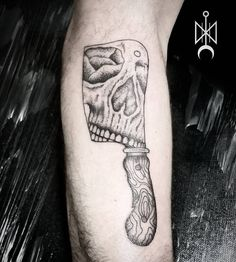 #dkjordao #darkjordao #solarstudio #blackwork #blackworkbrasil #blackworktattok #cleaver #cutelo #cleavertattoo #skull #dotwork #pontilhismo #tattooinspiration #cuiaba #cuiabatattoo #tattoo #tatuagem #darkartists