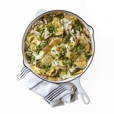 Use Leftover Turkey To Make These Tex-Mex Chilaquiles Leftover Turkey Recipes, Leftovers Recipes, Dinner Recipes, Turkey Leftovers, Mexican Dishes, Mexican Food Recipes, Mexican Meals, Mexican Chicken, Tex Mex
