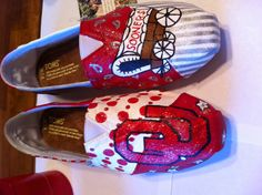 OU Sooners handpainted shoes.... Anyone want to get these for me? K, thanks!