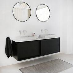 Nestor - Gaston combinatie in zwart rattan en wit marmer. Double Vanity, Objects, Mirror, Furniture, Gaston, Terrazzo, Home Decor, Inspireren, Sober