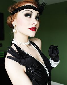 SPIRIT OF HALLOWEEN: Flapper Girl