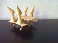 www.houtspel.nl: Mini picknicktafel van ijsstokjes