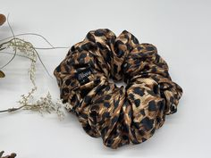 Available here are wide range of hair accessories, Gifts ands More. We have Bonnets, Caps,Hats, Baby products and Well made Scrunchies. Contact us at anytime for personalized gifts and other craft items of your choice