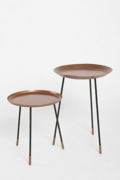 Assembly Home Tripod Table
