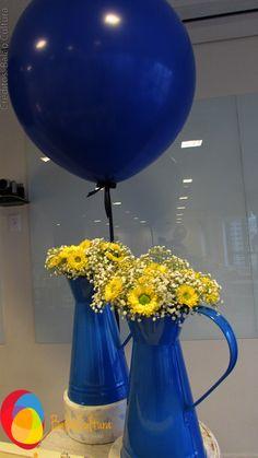 Decoração com balões de 3 pés e fita de cetim.  Créditos: Balão Cultura  Decoradora: A Matinee Festas bacanas www.boxbalao.com