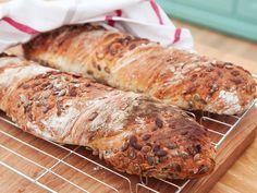 Vridna baguetter med rostad havre, pumpa och citron | Recept.nu