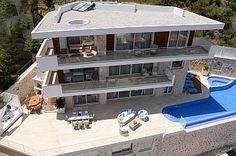 Spectacular 6 bedroom luxury modern villa in the Kisla area of Kalkan - heated infinity swimming pool so perfect for any time of year, as well as a luxury Jacuzzi pool. A truly spectacular luxury modern villa in the Kisla area of Kalkan, with clean white