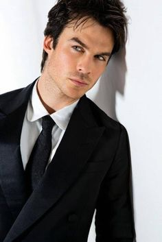 Ian Somerhalder // Damon Salvatore - The Vampire diaries Vampire Diaries Damon, Serie The Vampire Diaries, Ian Somerhalder Vampire Diaries, Vampire Dairies, Vampire Diaries The Originals, Ian Somerhalder Wedding, Ian Somerhalder Photoshoot, Vampires, Ian Somerholder