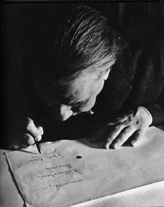 Jorge Luis Borges (1968)   © Sara Facio Eugene Richards, Helen Levitt, Robert Frank, Room Of One's Own, King Art, Vivian Maier, Writers And Poets, Saul Leiter, Playwright