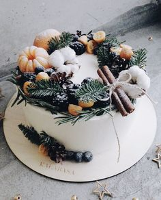 This delicious cake gives you a smell of Christmas 😍🎄🎉 Ahhh, can't wait holidays! Christmas Cake Decorations, Fruit Decorations, Christmas Sweets, Christmas Baking, New Year Cake Decoration, Pretty Cakes, Beautiful Cakes, Winter Torte, Pavlova Cake