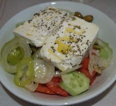How to Prepare Horiatiki Salata: Traditional Greek Salad: Fresh, delicious, and oh so Greek!