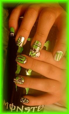 I 1 2 get my nails dine like this!