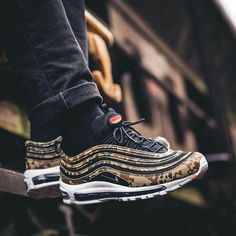 @nielsfreidel in the dope upcoming 17 Nike Air Max 97 Germany from the new Country  Camo pack ! These look so sick on Foot! Defo Top 3 for me in the pack !