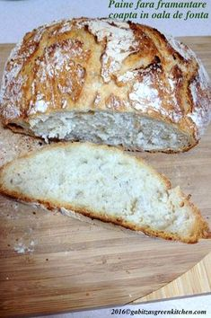 Paine Fara Framantare- In Oala de Fonta - Gabitza's Green Kitchen Cooking Bread, Bread Baking, Romanian Food, Bread Recipes, Buffet, Bakery, Good Food, Brunch, Food And Drink
