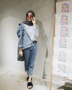 New Womens Fashion Casual Vans Ideas Womens Dress Suits, Dress Clothes For Women, Denim Fashion, Vans Fashion, Fashion Outfits, Womens Fashion, Casual Hijab Outfit, Casual Outfits, Hijab Style Dress