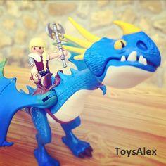les Playmobils Astrid et Tempête de Dragons 3.