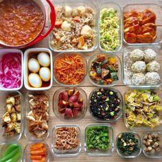 安い食材で簡単に作れる「コスパ抜群の常備菜」で賢く節約してみませんか?物価高騰に左右されず安定した低価格で買える食材を上手に使った常備菜を作っておけば、食費と時間が賢く節約できますよ。簡単に作れて使い回しの利く美味しくて便利な常備菜レシピをご紹介します。