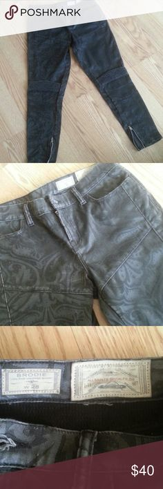 All Saints   dark grey baroque   Brodie jeans Very good used condition  Low rise, cropped skinny brodie jeans size 28 Waist circumference 32in Total length 34in Brodie Jeans Skinny