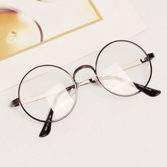 911dade9907d Women Men Retro Round Metal Frame Clear Lens Glasses Nerd Spectacles  Eyeglass-in Eyewear Frames from Men s Clothing   Accessories on  Aliexpress.com ...