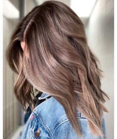 Long Wavy Ash-Brown Balayage - 20 Light Brown Hair Color Ideas for Your New Look - The Trending Hairstyle Brown Hair Balayage, Brown Blonde Hair, Hair Color Balayage, Cool Brown Hair, Bayalage Light Brown Hair, Light Brown Hair Colors, Summer Brown Hair, Caramel Hair Highlights, Hair Color For Brown Eyes