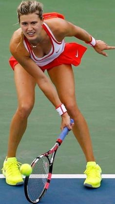 Wta Tennis, Sport Tennis, Tennis Racket, Tennis Outfits, Tennis Clothes, Foto Sport, Eugenie Bouchard, Tennis World, Beautiful Athletes